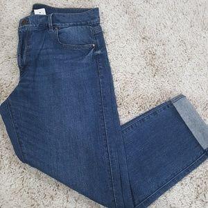 NWT Ann Taylor Cropped Girlfriend Jeans